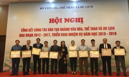 Trường Đại học Sân khấu – Điện ảnh Hà Nội vinh dự nhận Bằng khen của Bộ trưởng Bộ Văn hóa, Thể thao và Du lịch