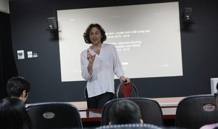 Chuyên gia Bỉ: GS. Micha Wald giảng dạy cho sinh viên lớp đạo diễn chất lượng cao khoa Nghệ thuật Điện ảnh